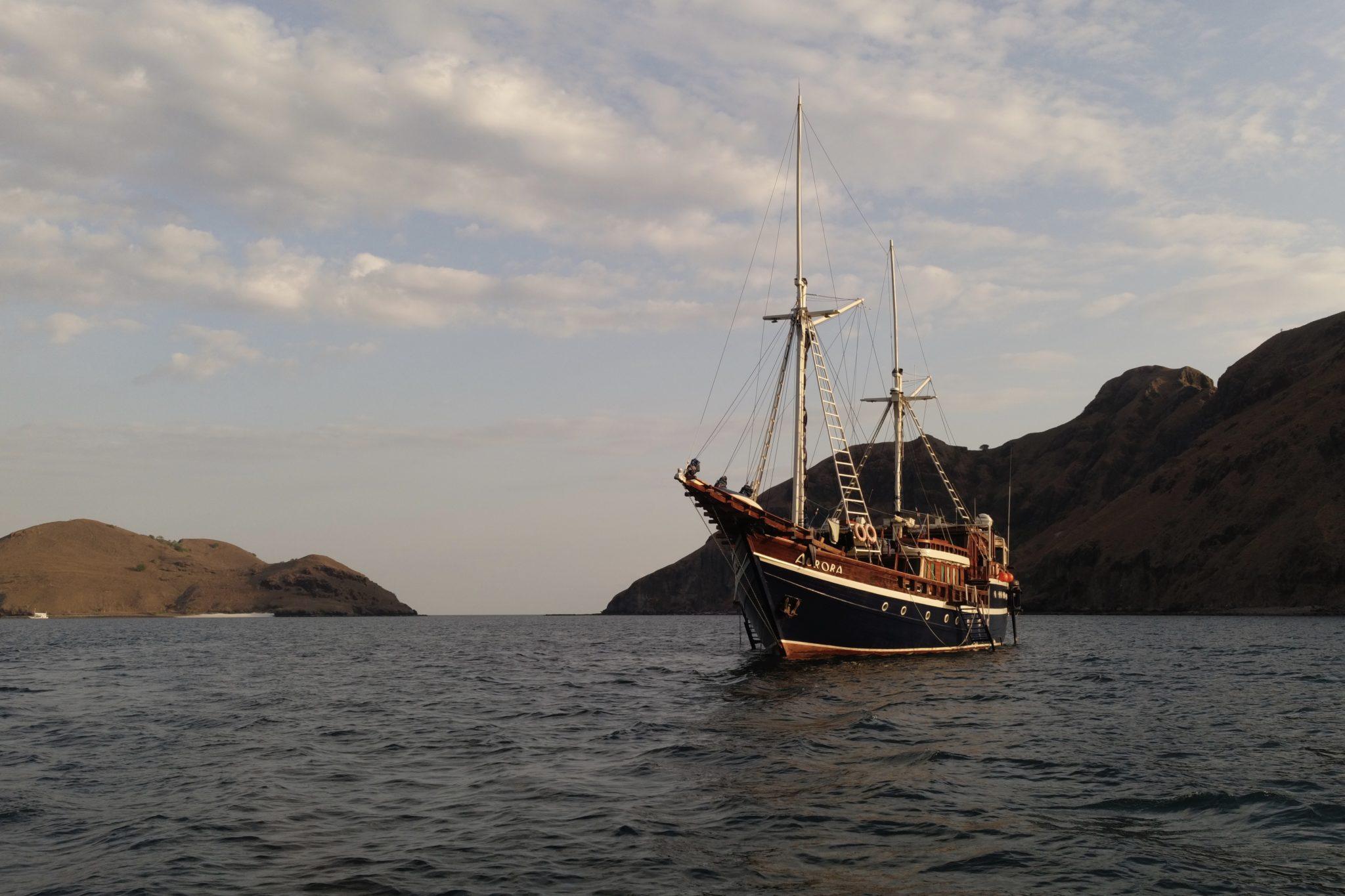 le bateau de plongée Aurora au départ pour Komodo